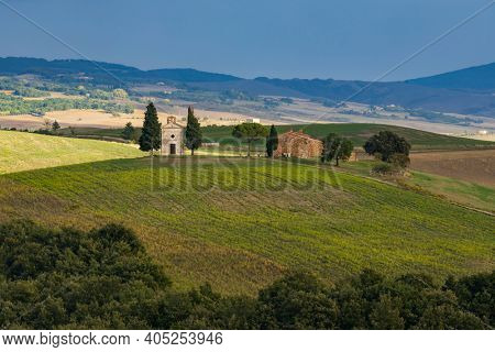 Chapel of the Madonna di Vitaleta, San Quirico d Orcia, Tuscany, Italy