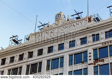 Cleveland, Ohio, Usa - September 23, 2019: The Upper Portion Of The Old May Company Cleveland Buildi