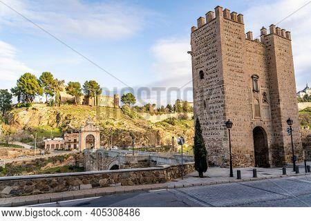 Alcantara Bridge With Castillo San Servando Castle In Background, Toledo, Spain