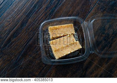 Take Away Dessert Plain Or Kesar Favoured Semolina Halwa Sooji Ka Helva Or Sweet Rava Sheera Or Shir