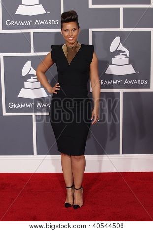 LOS ANGELES - FEB 12:  ALICIA KEYS arriving to Grammy Awards 2012  on February 12, 2012 in Los Angeles, CA