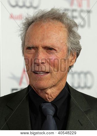 LOS ANGELES - NOV 03:  Clint Eastwood arriving to