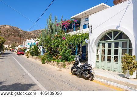 Ios, Greece - September 22, 2020: The Street With Hotels Along The Gialos Beach At The Port In Ios.