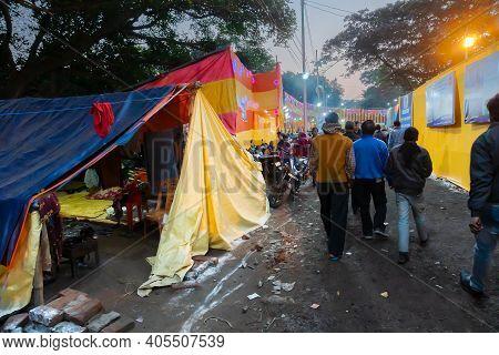 Kolkata, West Bengal, India - 12th January 2020 : Devotees Walking In Gagasagar Transit Camp To Visi