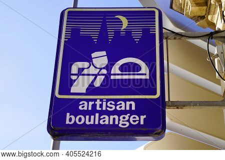 Bordeaux , Aquitaine  France - 01 24 2021 : Artisan Boulanger Logo And Sign Text Front Of French Art