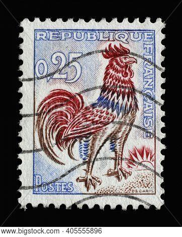 ZAGREB, CROATIA - SEPTEMBER 03, 2014: Stamp printed in the France shows Gallic Cock (Gallus gallus domesticus), series, circa 1962