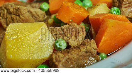 Kompir Mandza - Simple North Macedonian Potato Stew