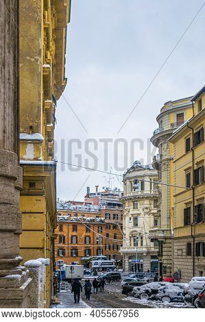 Rome, Italy - February 26, 2018: Rome Under The Snow. Abnormal Snow Falls In Rome. Snow On Rome For