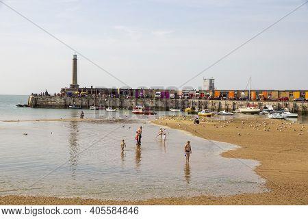 Margate, Kent, Uk - August 28, 2017. Margate Beach As The Tide Comes In. Margate, Kent, Uk, August 2