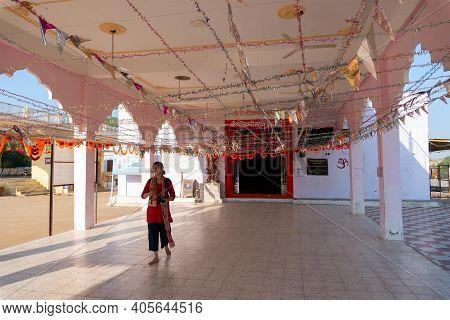 Jaisalmer, Rajasthan, India - 15th October 2019 : Travelling Woman At Tanot Mata Mandir At India Pak
