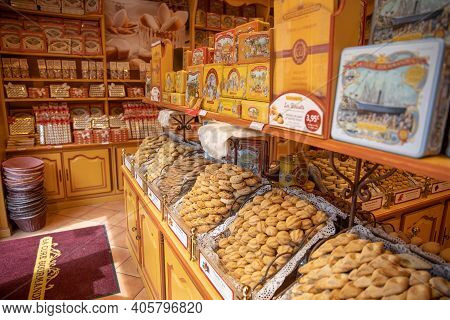 Aix-en-provence, France 10.07.19: Jars Of Sweets Displayed In A Traditional Sweet Shop Window. Luxur