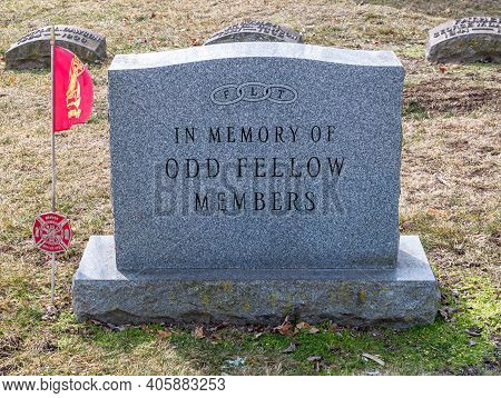 Beaver, Pennsylvania, Usa 1-30-21 In Memory Of Odd Fellow Members Memorial Marker In The Beaver Ceme