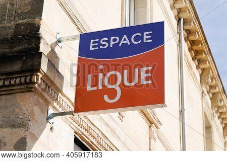 Bordeaux , Aquitaine  France - 01 24 2021 : La Ligue Contre Le Cancer Logo Text And Sign Front Of Of
