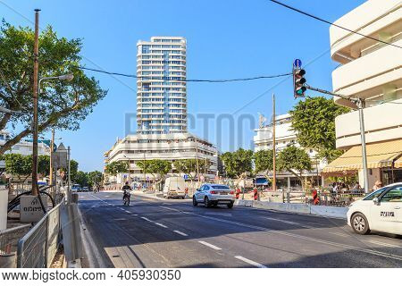 Tel Aviv, Israel - September 17, 2017: This Is One Of The Central Streets Of The Modern City, Which