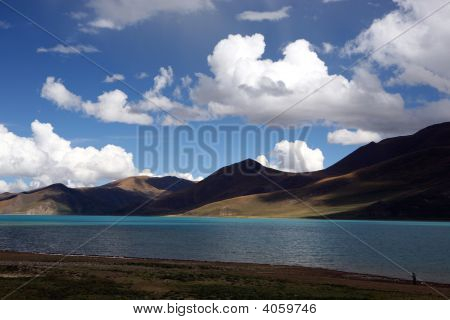 altiplano lake view in Tibet in Autumn.