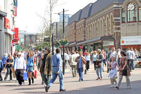 Liverpool Shoppers And Tourists