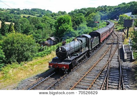 Steam locomotive approaching Highley station.