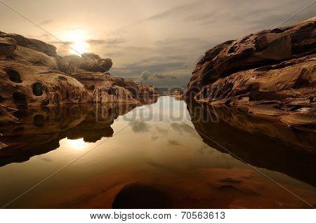 Sunrise Head Dog At Sam Phan Bhok Grand Canyon