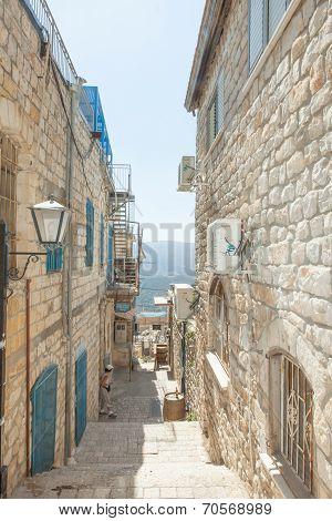 Safed alley