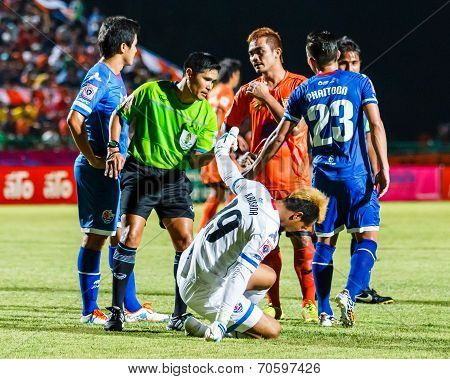 Sisaket Thailand-august 13: The Referee (green) In Action During Thai Premier League Between Sisaket