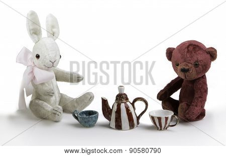 toy rabbit and bear