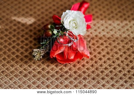Wedding Rings With Buttonarray Red Tulip