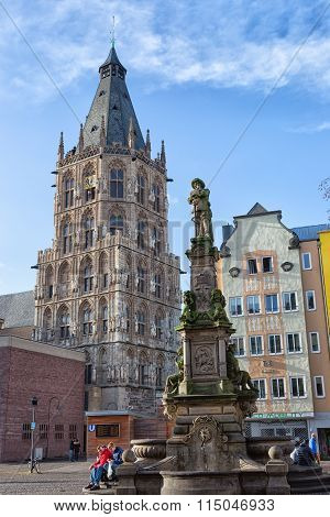 City Town Hall And Monument Of Jan V. Werht.