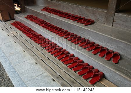 Temple Shoes