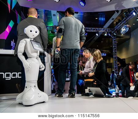 Robot Takes the Stage at CES Exhibition