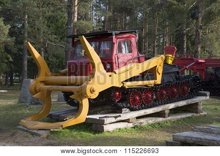 Logger LT-65. The exhibition of forestry equipment in the town of Sharya, Kostroma region