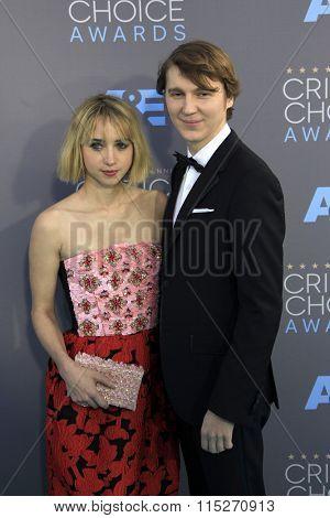 LOS ANGELES - JAN 17:  Zoe Kazan, Paul Dano at the 21st Annual Critics Choice Awards at the Barker Hanger on January 17, 2016 in Santa Monica, CA