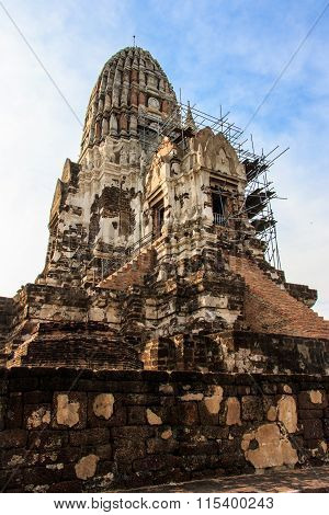 The Pagoda was Closed for Repairs in King Borommarachathirat II of the Ayutthaya Kingdom
