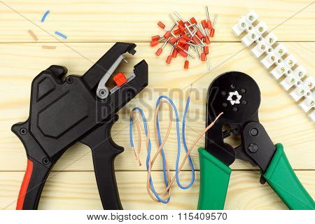 Crimping Tool For Wires