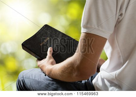 Bible Praying.