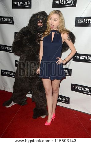 LOS ANGELES - JAN 18:  Taylor Carr at the Little Dead Rotting Hood Premiere at the Laemmle NoHo 7 on January 18, 2016 in North Hollywood, CA