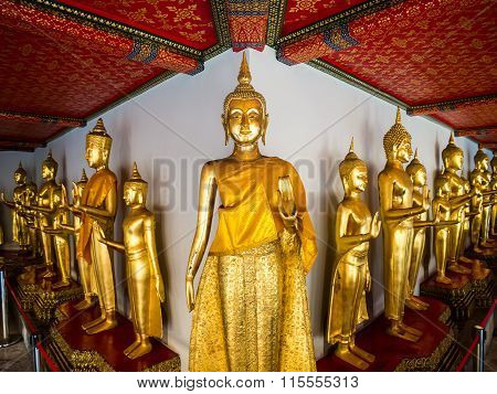 Buddha At Wat Pho Long Corridor