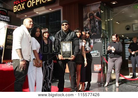 LOS ANGELES - JAN 21:  Simone Smith, LL Cool J, Family at the LL Cool J Hollywood Walk of Fame Ceremony at the Hollywood and Highland on January 21, 2016 in Los Angeles, CA