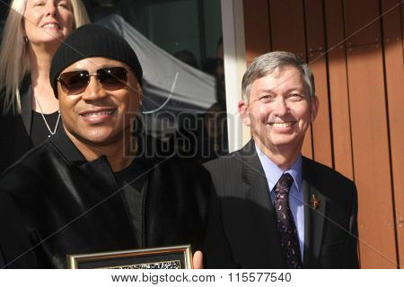 LOS ANGELES - JAN 21:  LL Cool J, Leron Gubler at the LL Cool J Hollywood Walk of Fame Ceremony at the Hollywood and Highland on January 21, 2016 in Los Angeles, CA