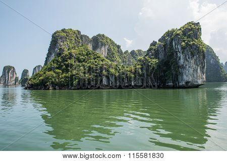 Ha Long Bay Boat Ride