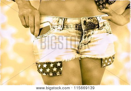 Pin-up Girl Old Picture Holding Modern Mobile Phone In Jeans Pocket With American Flag - Woman Hand