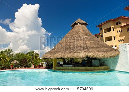 Luxury Hotel Cancun Clipper Club With A Swimming Pool