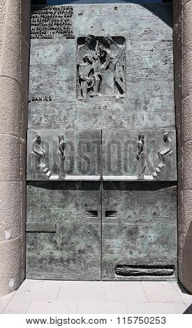 Herod to Pilate door of the Basilica