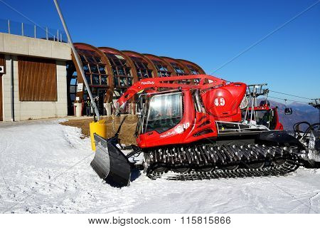 Madonna Di Campiglio, Italy - December 14: The Pisten Bully 600 Groomer For Ski Slopes Preparation O