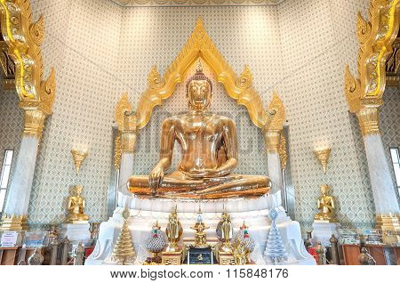 Golden Buddha Statue At Wat Traimit, Bangkok, Thailand