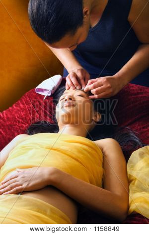 Salon Eye Treatment