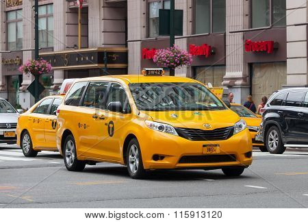 Special Yellow Cab For Disabled In Manhattan, Nyc.