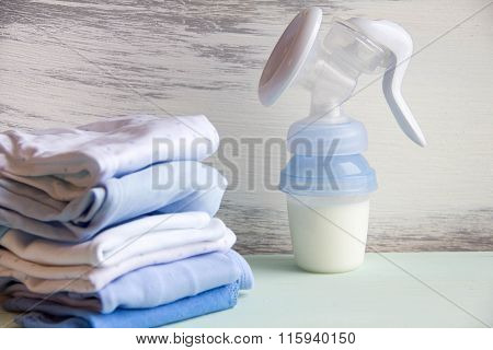 Background Of Manual Breast Pump
