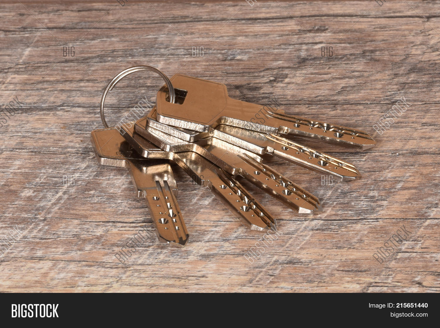 Keys From The Apartment Linking To Table Safe