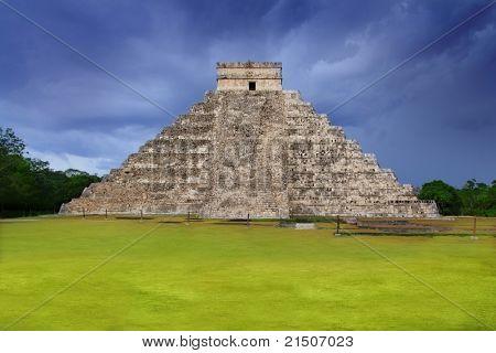Chichen Itza el Castillo Kukulcan Mayan temple cloudy sky Mexico Yucatan