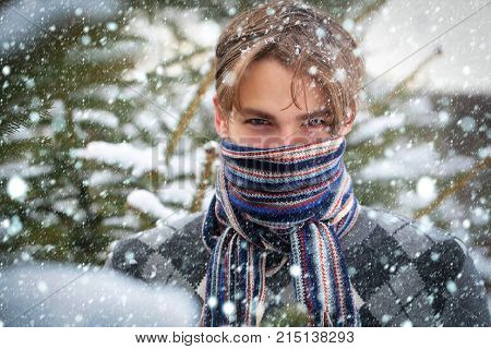 Macho Warming Face With Scarf